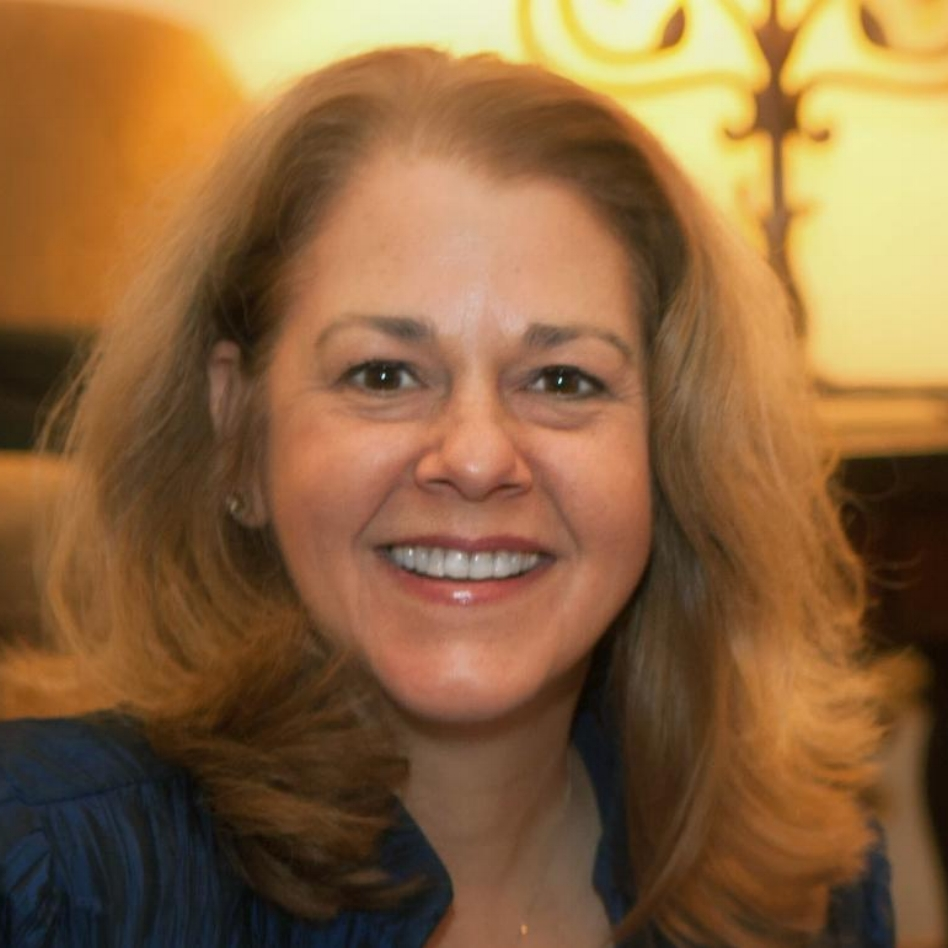 Suzanne Flores headshot.jpg