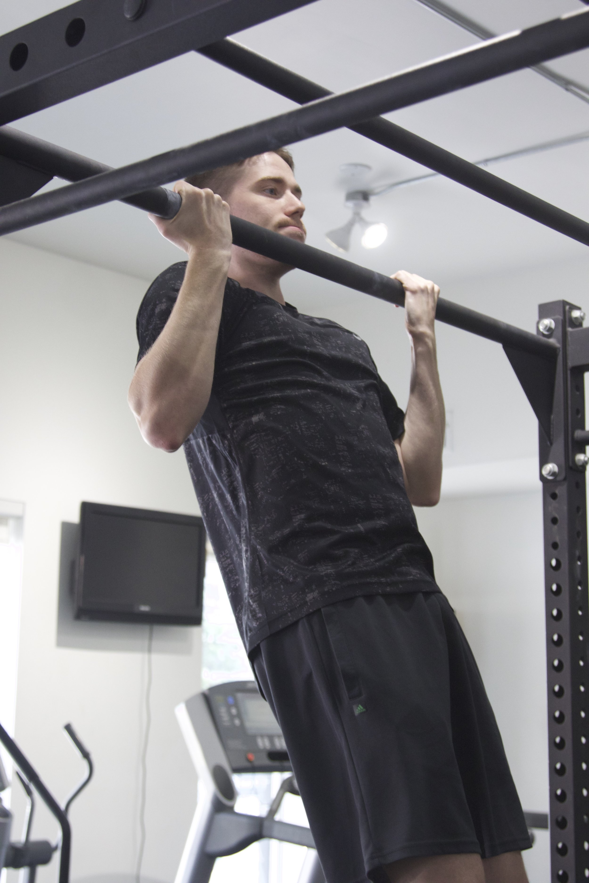 Personal Trainer Brian Chin Up