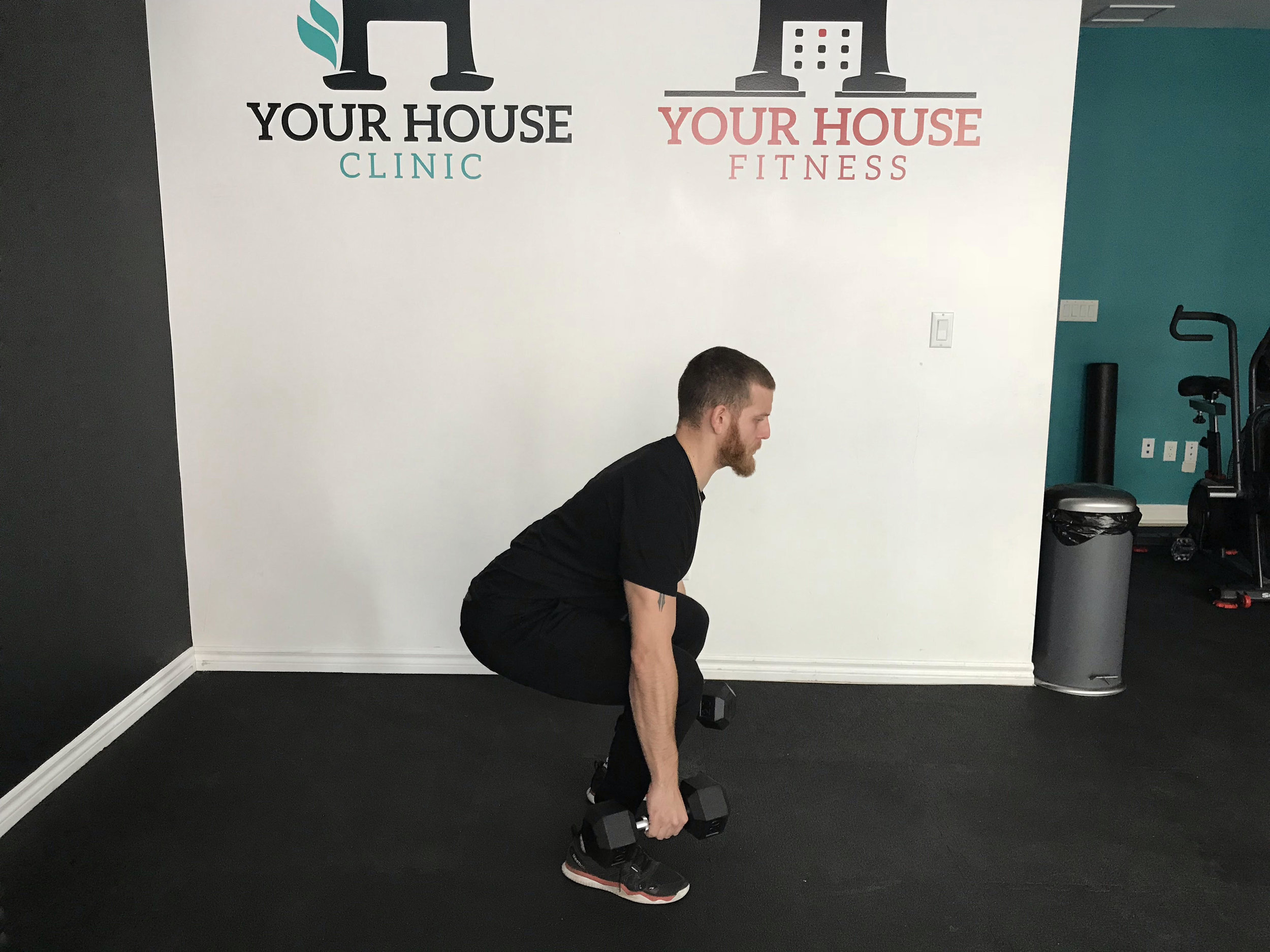 Dumbbell Deadlift Lateral View