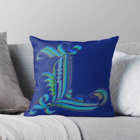 Throw Pillow - 'Gothic L'