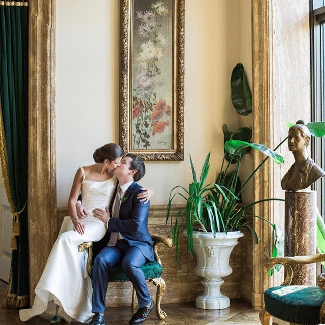 Happy Anniversary Caroline & Tom, a little late because how has it been a year already! 📷 @kellykollarphotography . . . . . #njwedding #njweddingplanner  #events  #princetonevents #princetonweddings #maryharrisevents #weddingplanning #luxurywedding #luxuryweddingplanner