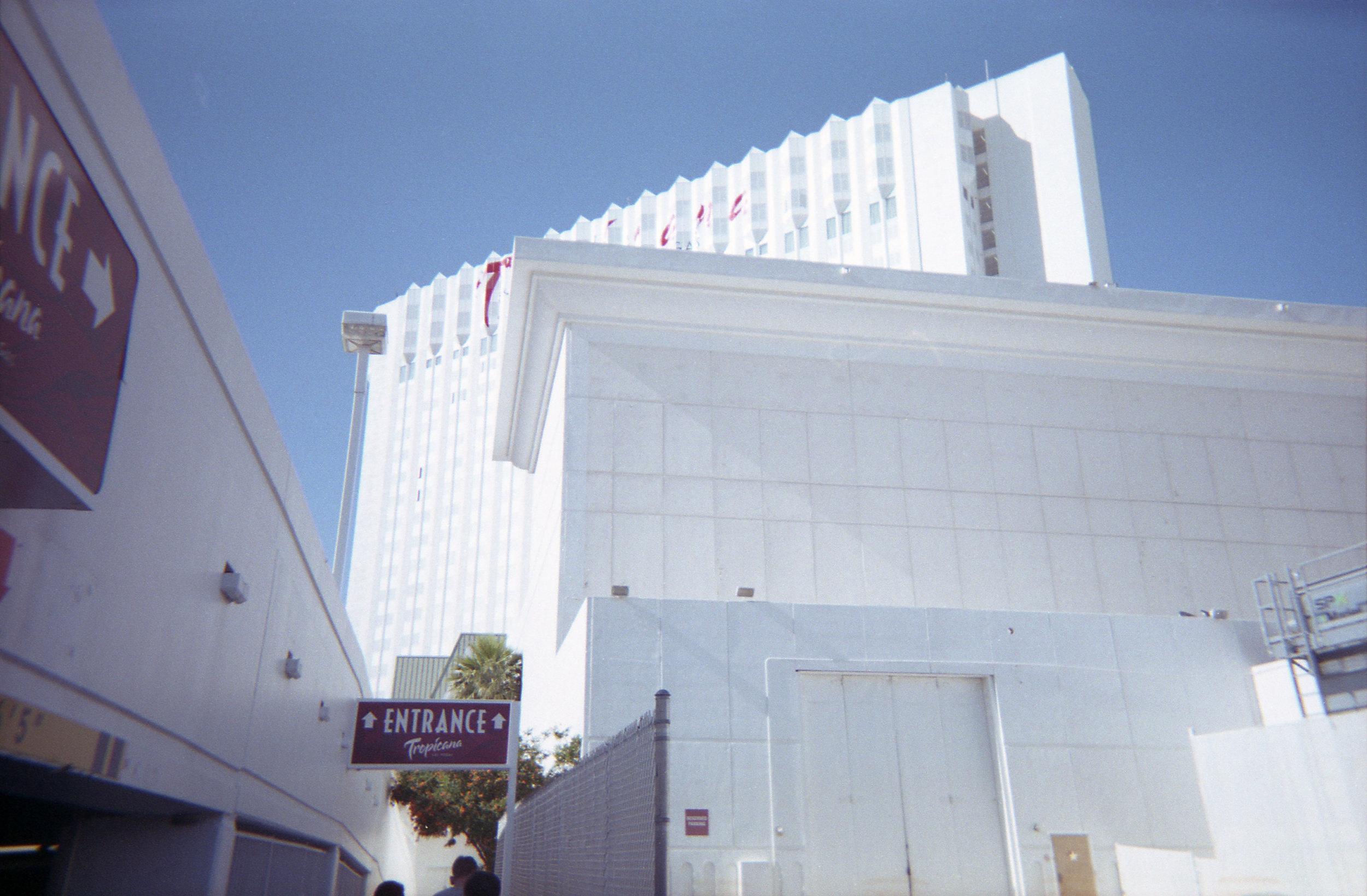 Vegas_Disposable025.jpg