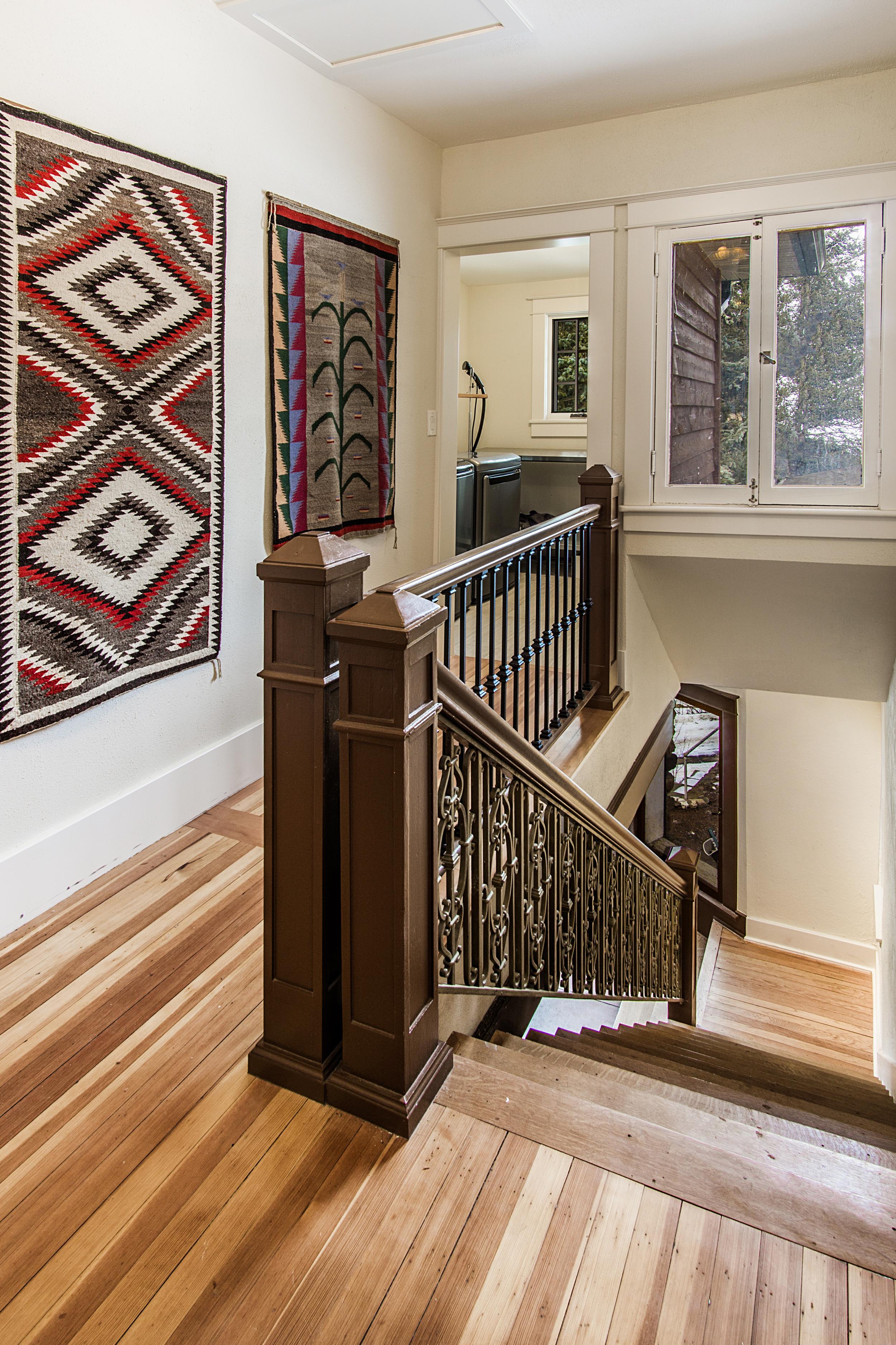 Stairs_high_2142190.jpg