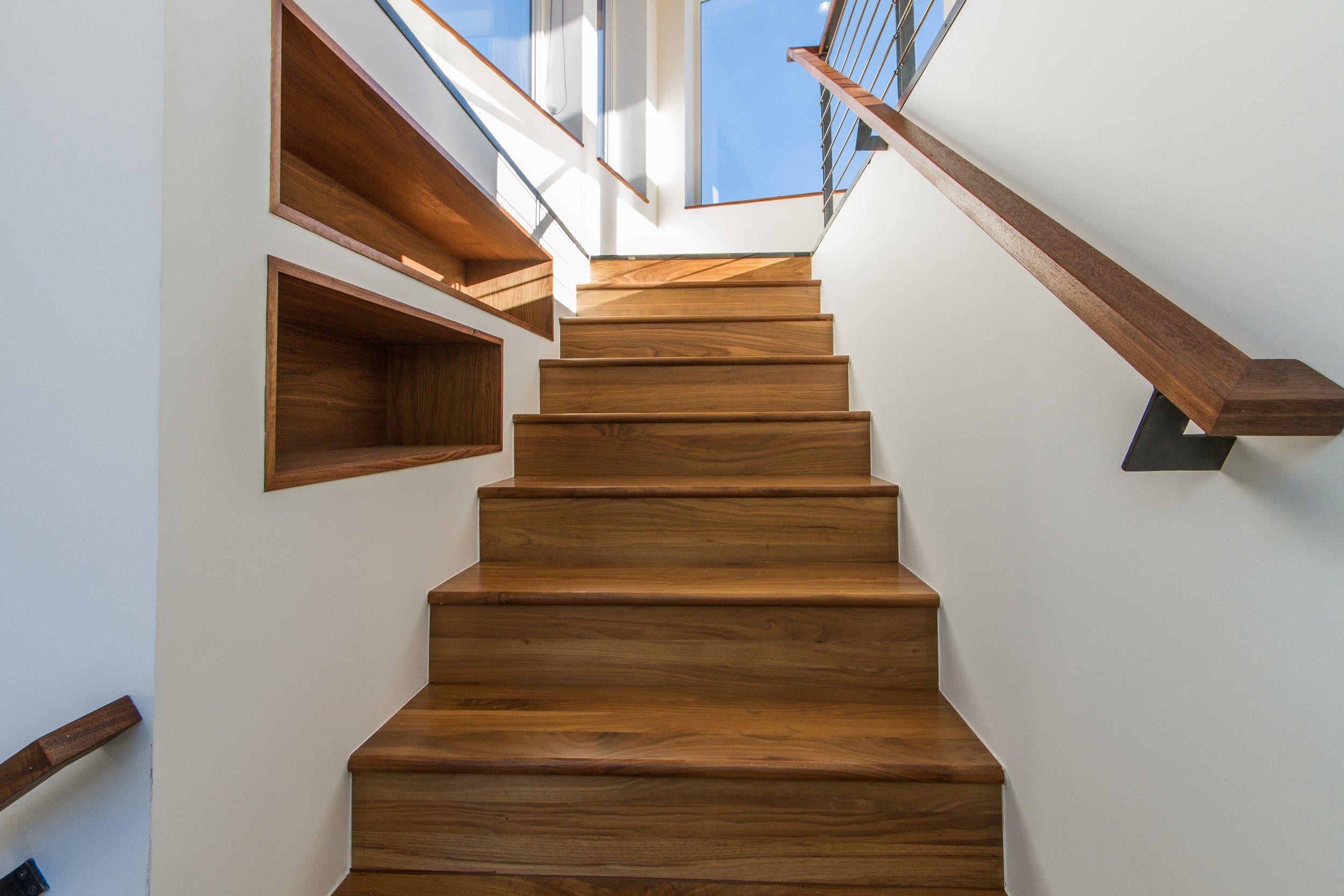 Staircase_high_2882513.jpg