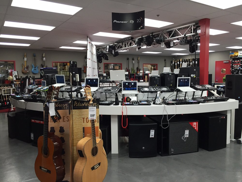 Pitbull Audio is the perfect place for a DJ to come into and try out various controllers and turntables. Nearly every piece of gear is connected to it's own computer.