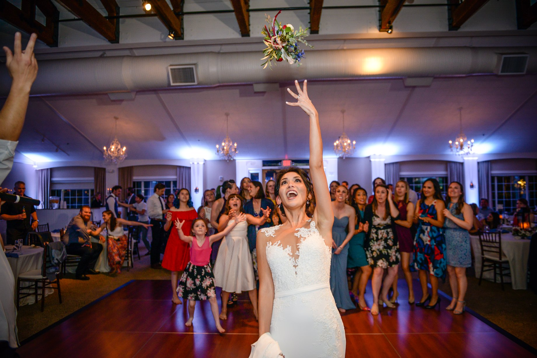 djkanoya_pontewinery-wedding-johnston-bouquet_toss.jpg