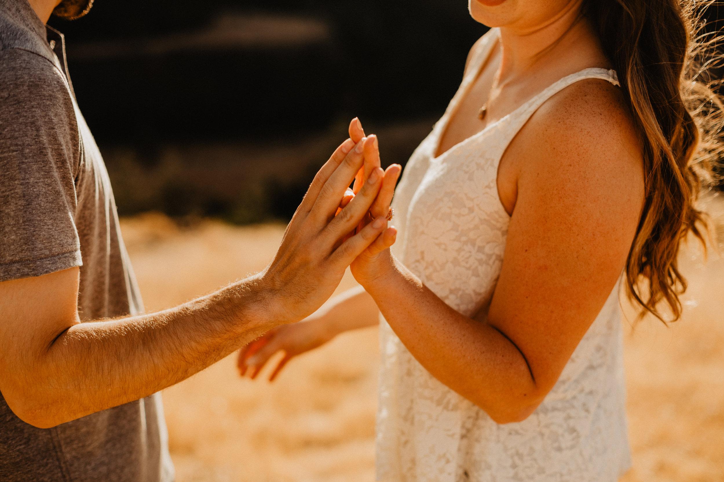 rowena crest engagement, oregon wedding photographer, engagement photos, natural light photographer-6.jpg