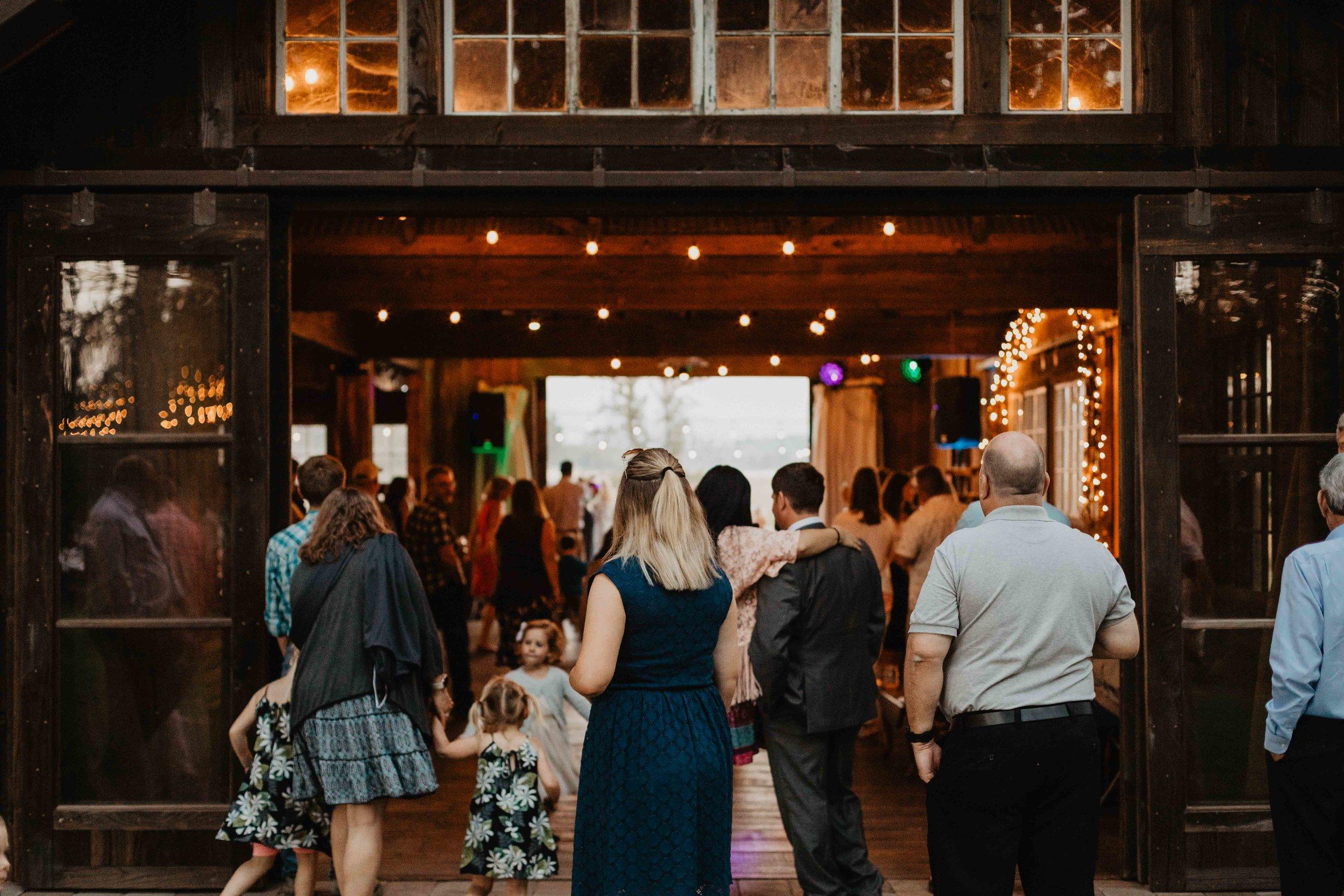eugene wedding photographer - oregon wedding photographer - outdoor wedding - wedding photographer-538.jpg