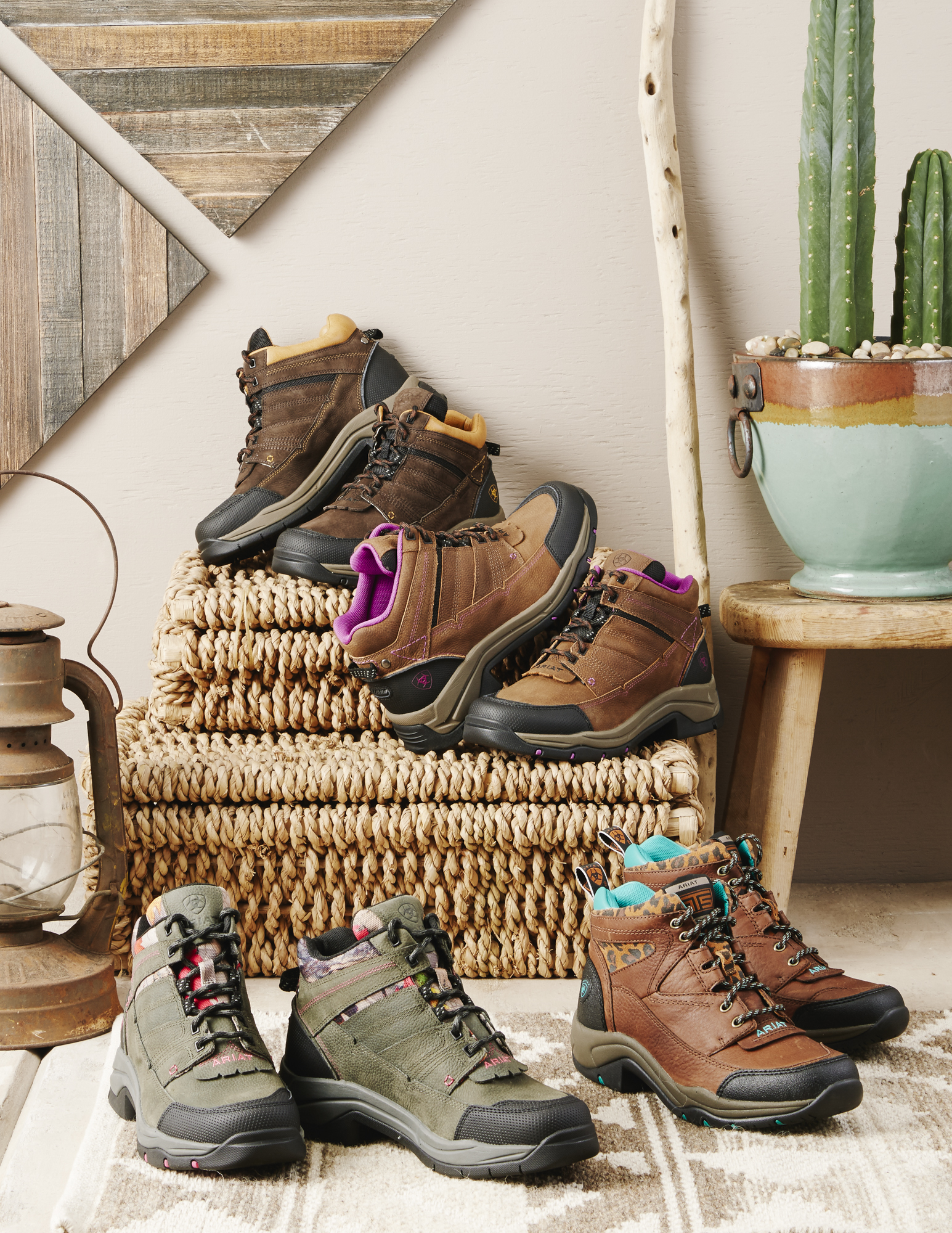 fall_2016_divider_pages_lifestyle_womens_outdoor-40745.jpg