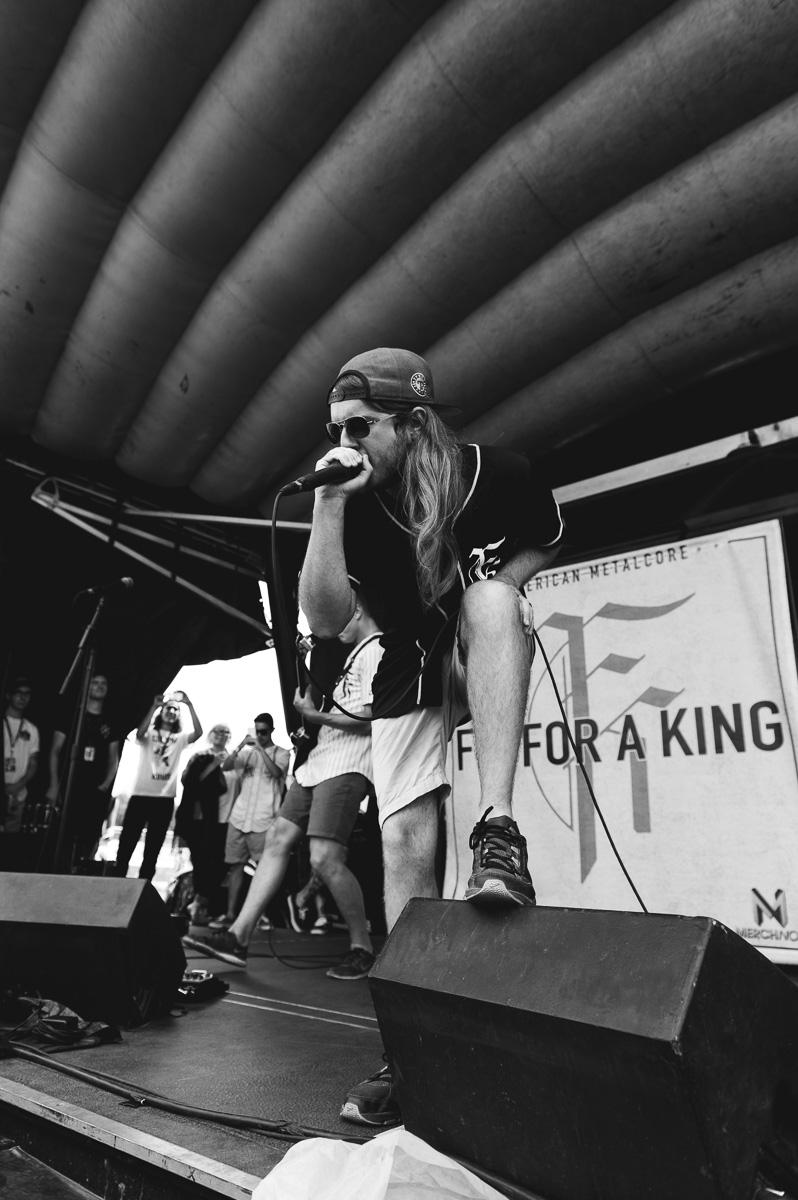 Fit_For_A_King_Auburn_Warped_Tour_Nguyen_Tim-6.jpg