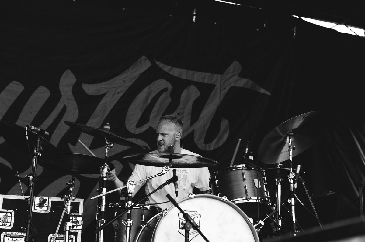 Our_Last_Night_Auburn_Warped_Tour_Nguyen_Tim-11.jpg