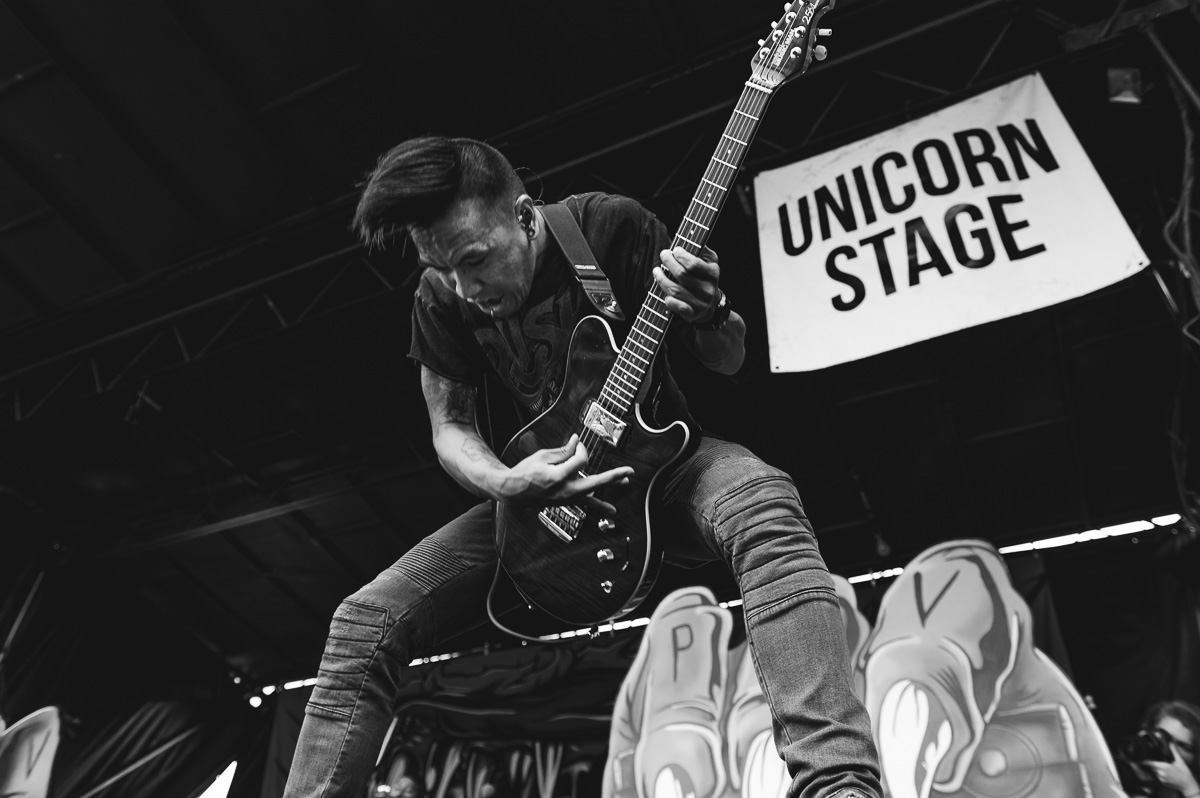 Pierce_The_Veil_Auburn_Warped_Tour_Nguyen_Tim-10.jpg