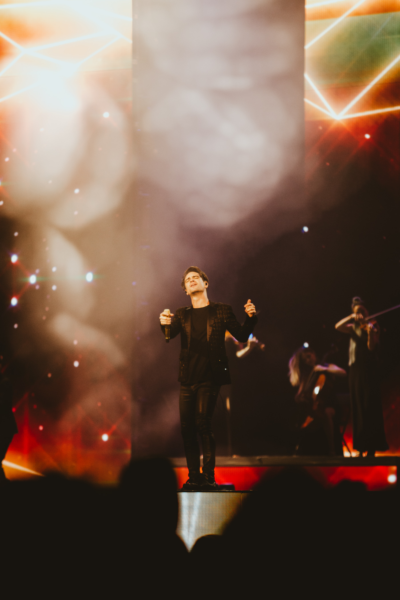 1_Panic!_At_The_Disco-Rogers_Arena-Timothy_Nguyen-20180811-14.jpg