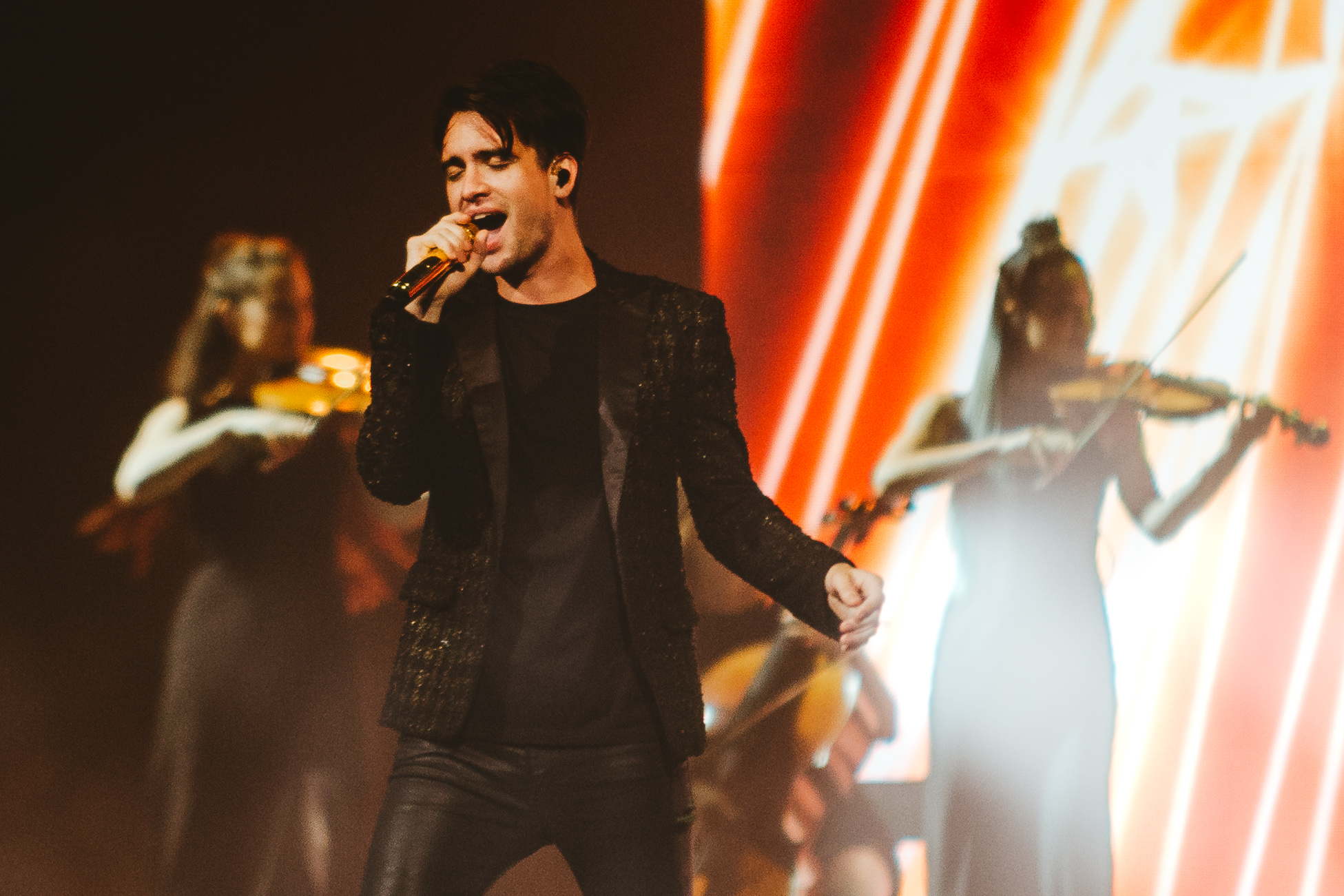 1_Panic!_At_The_Disco-Rogers_Arena-Timothy_Nguyen-20180811-17.jpg