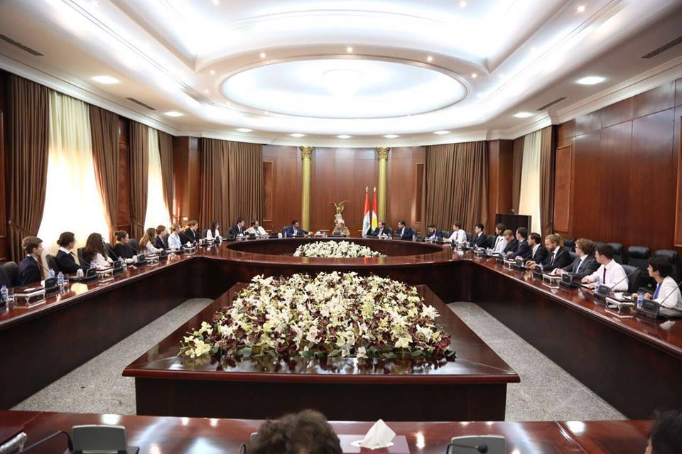 Delegates meet with President Masoud Barzani at the Saladin Presidential Palace