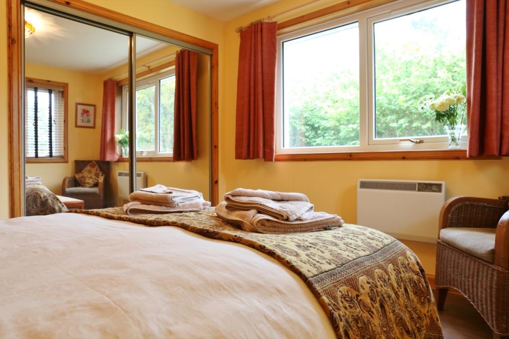 bedroom 1.8.JPG