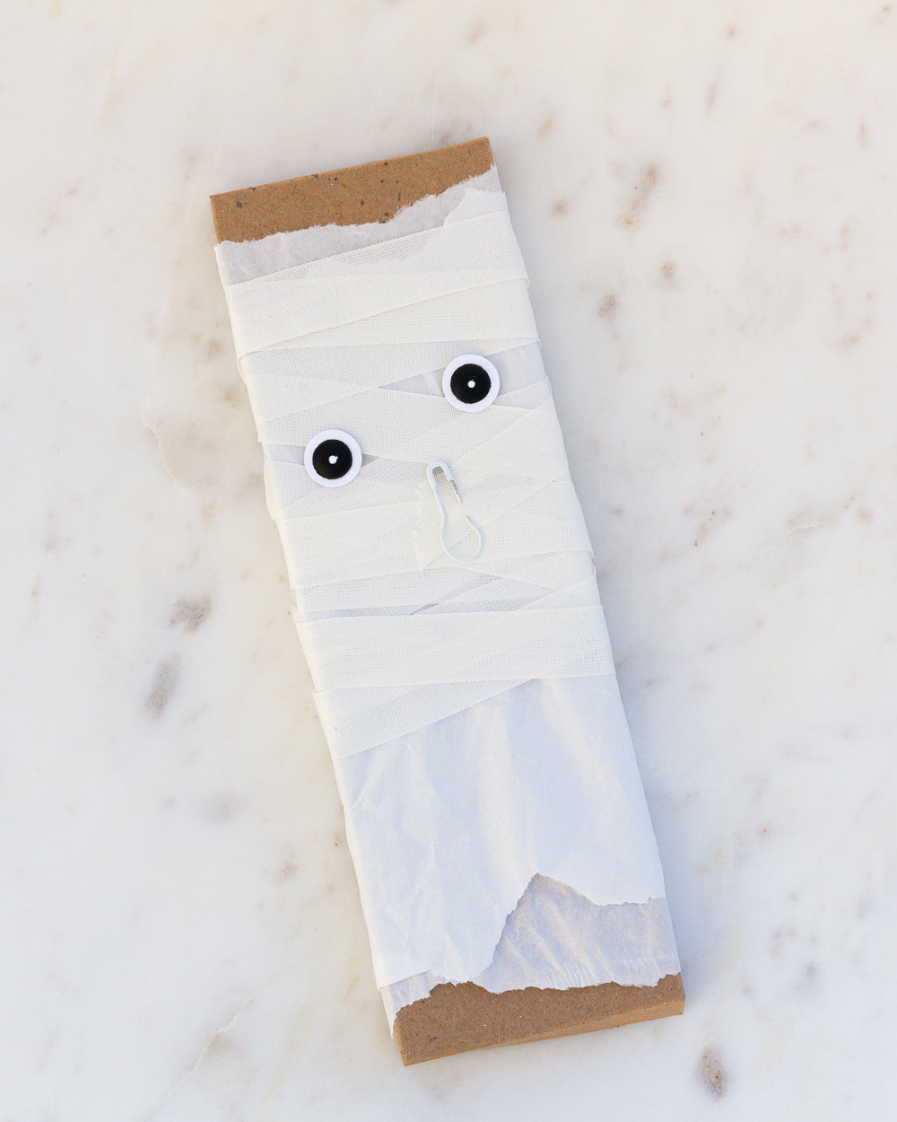 Halloween Mummy by @pixnglue