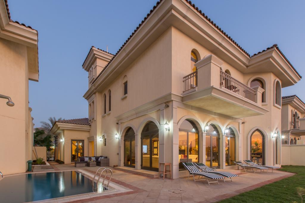 F FROND 03 - PALM JUMEIRAHAED 7,600,000 (2011)