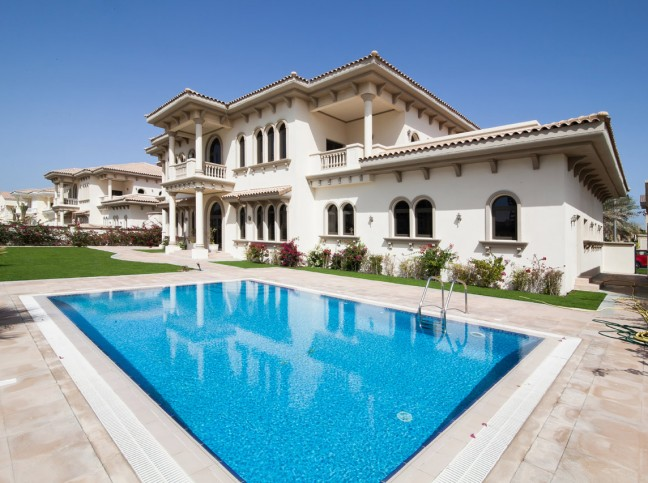 D FROND 98 - PALM JUMEIRAHAED 27,000,000 (2011)AED 22,000,000 (2009)