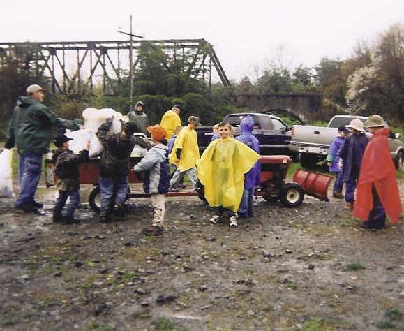 2003ED Kids loading wagon 3.jpg