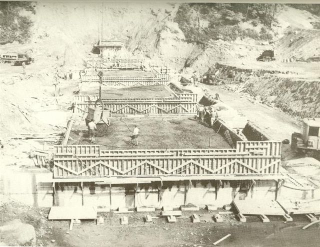 Kernsville Dam Construction 1.jpg