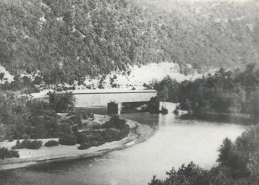 P&R RR Covered Bridge at Pulpit Rock.jpg