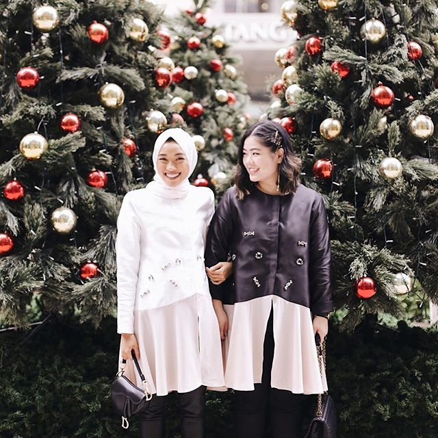 "Every time when I travel or when she travels- I miss her. Even now in Japan, I wish she was here with me. It's hard to find a friend who you can travel with cause you will either break or make the friendship - I'm glad I found you fren @asma.nasa 🖤 . —— Don't think I've met another person who's more in sync with me when it comes to ""things-that's-in-my-head-can-you-picture-it?"" Yes. Yes I can fren. 😂"