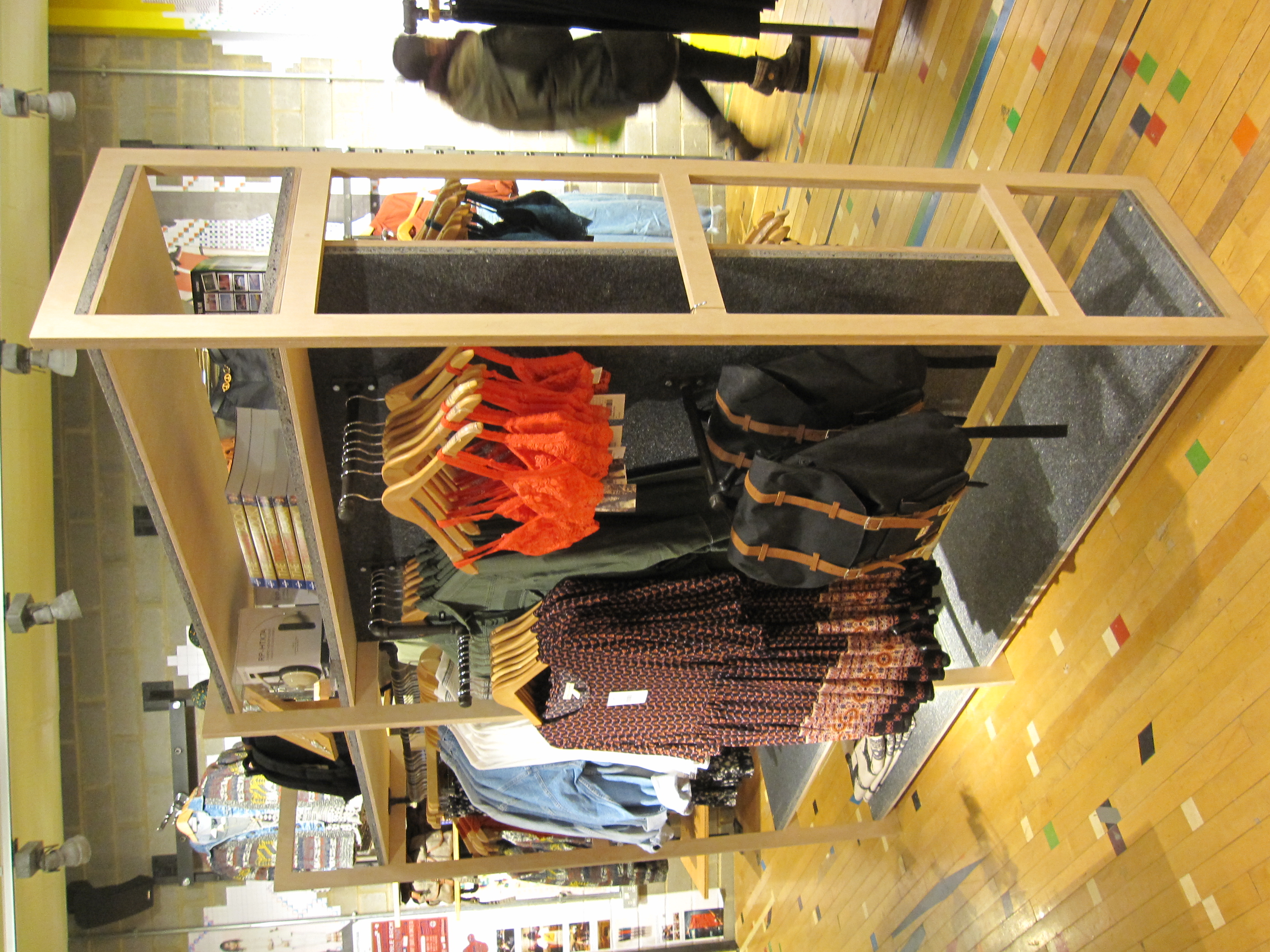 Urban Outfitters Europe: Freestanding Display
