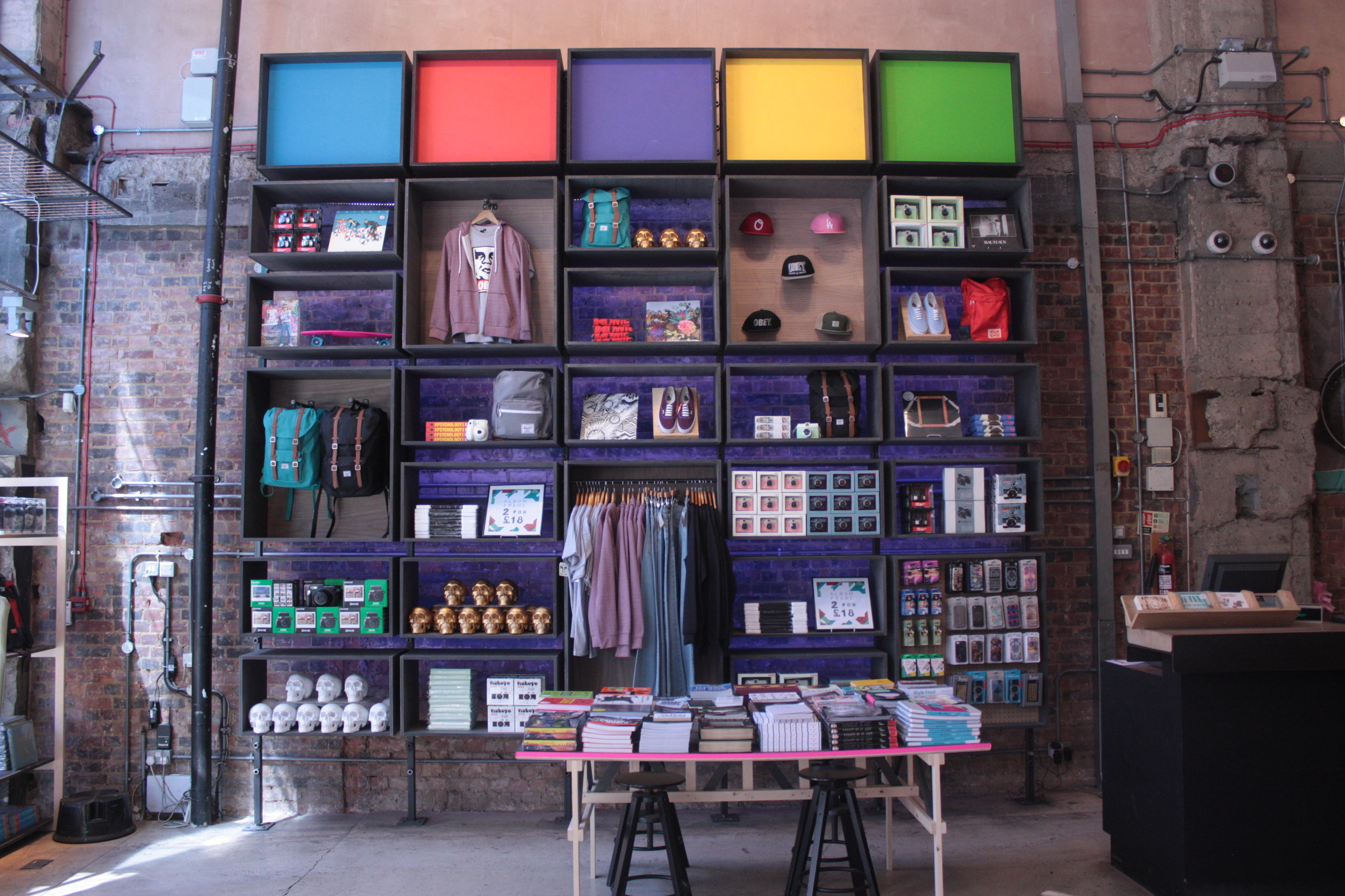 Urban Outfitters Europe: Display Wall