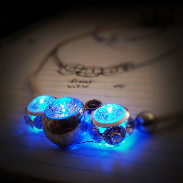 A look back at one of our prototypes... We see a sparkling future ahead! @heliablu #heliablu #lightupthenight #techjewelry #fashiontech #wearableart #futurejewelry #glowjewelry #citynights #clubfashion #nightfashion #wearabletech