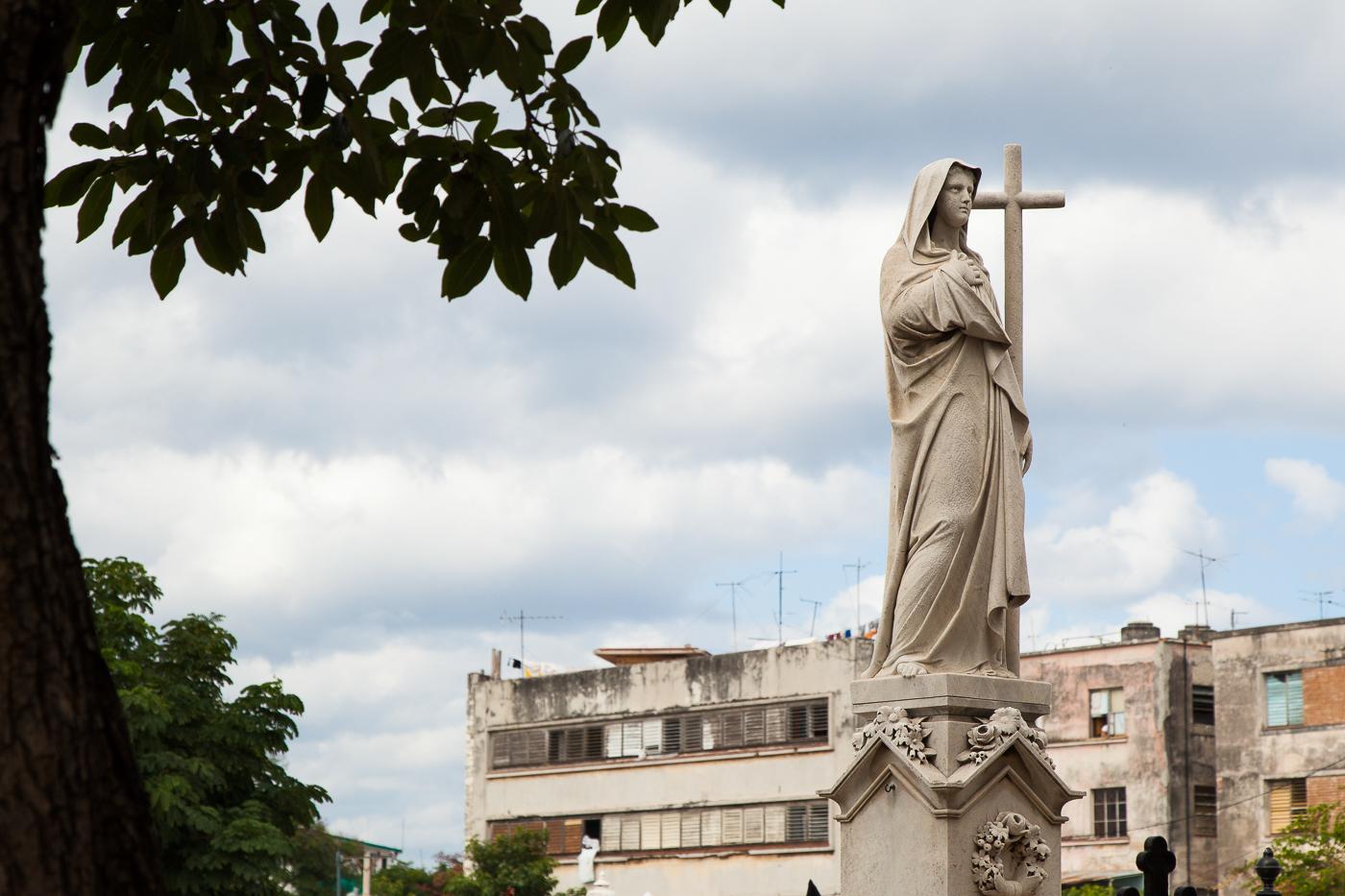 Lady in the Cemetery, Havana
