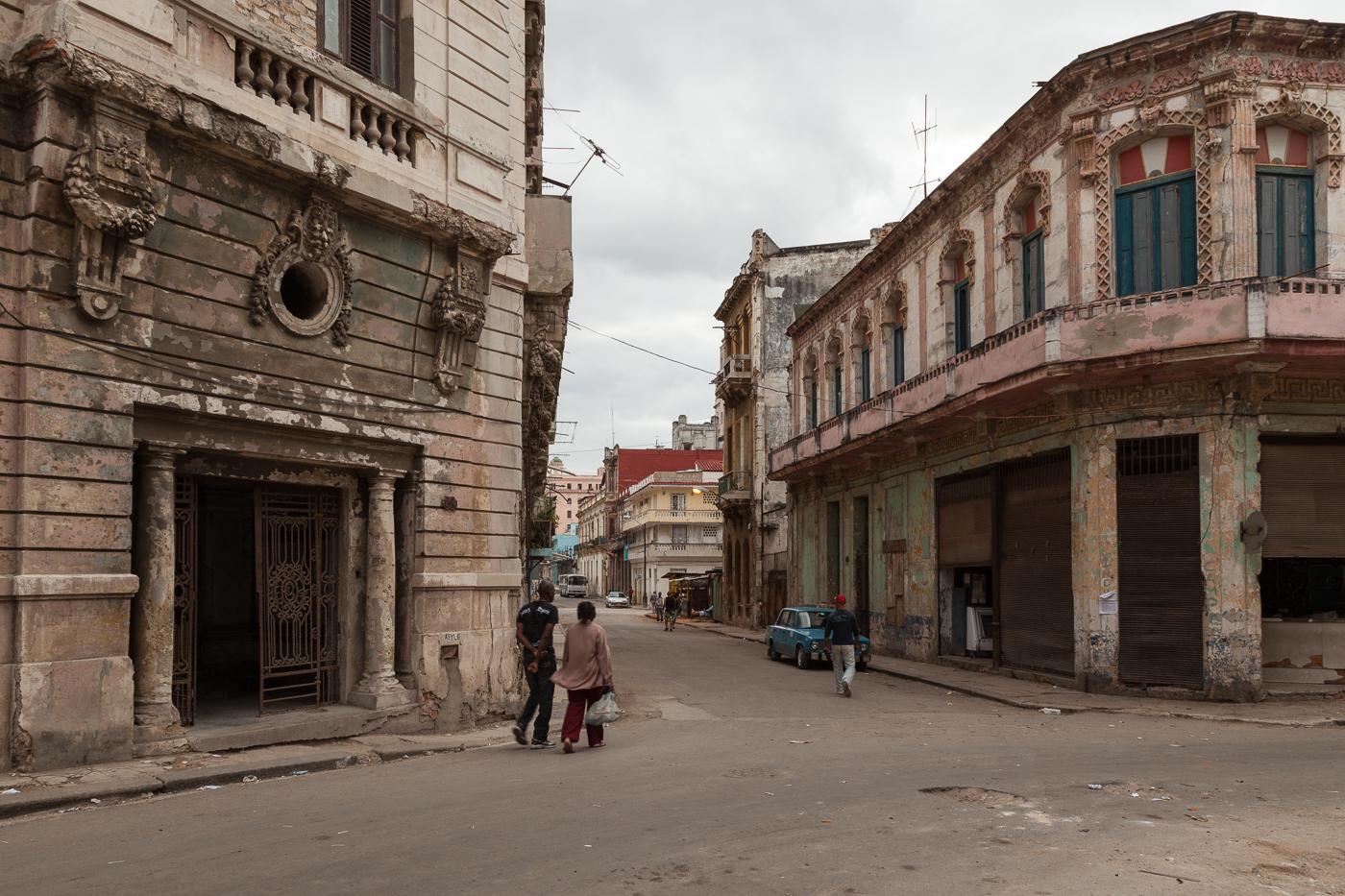 Street Scene in Old Havana