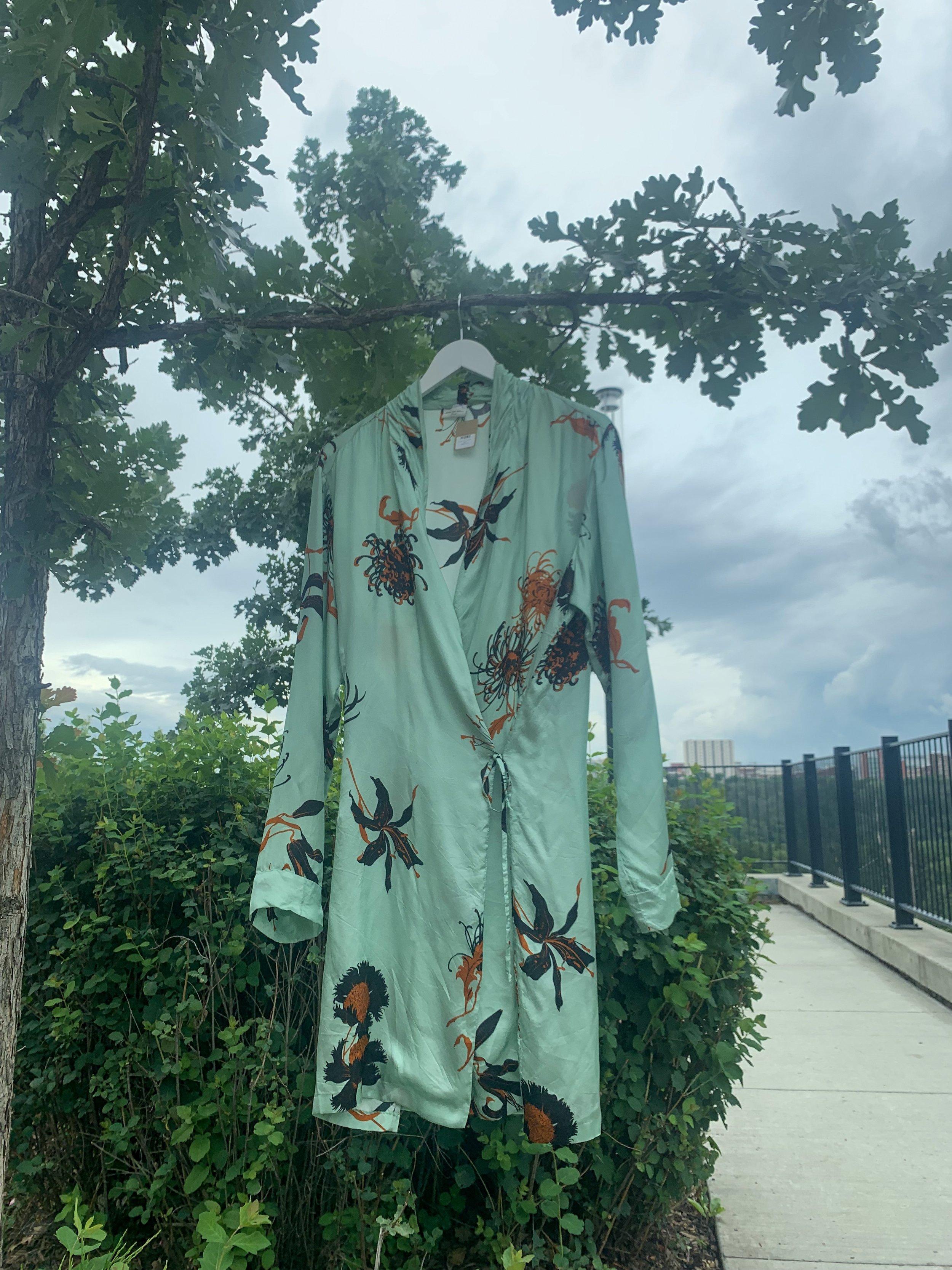 Silk Kimono - Size: Large$898