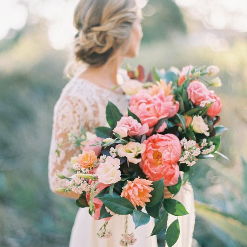 summer-wedding-inspiration.-plenty-of-petals_0913.jpg