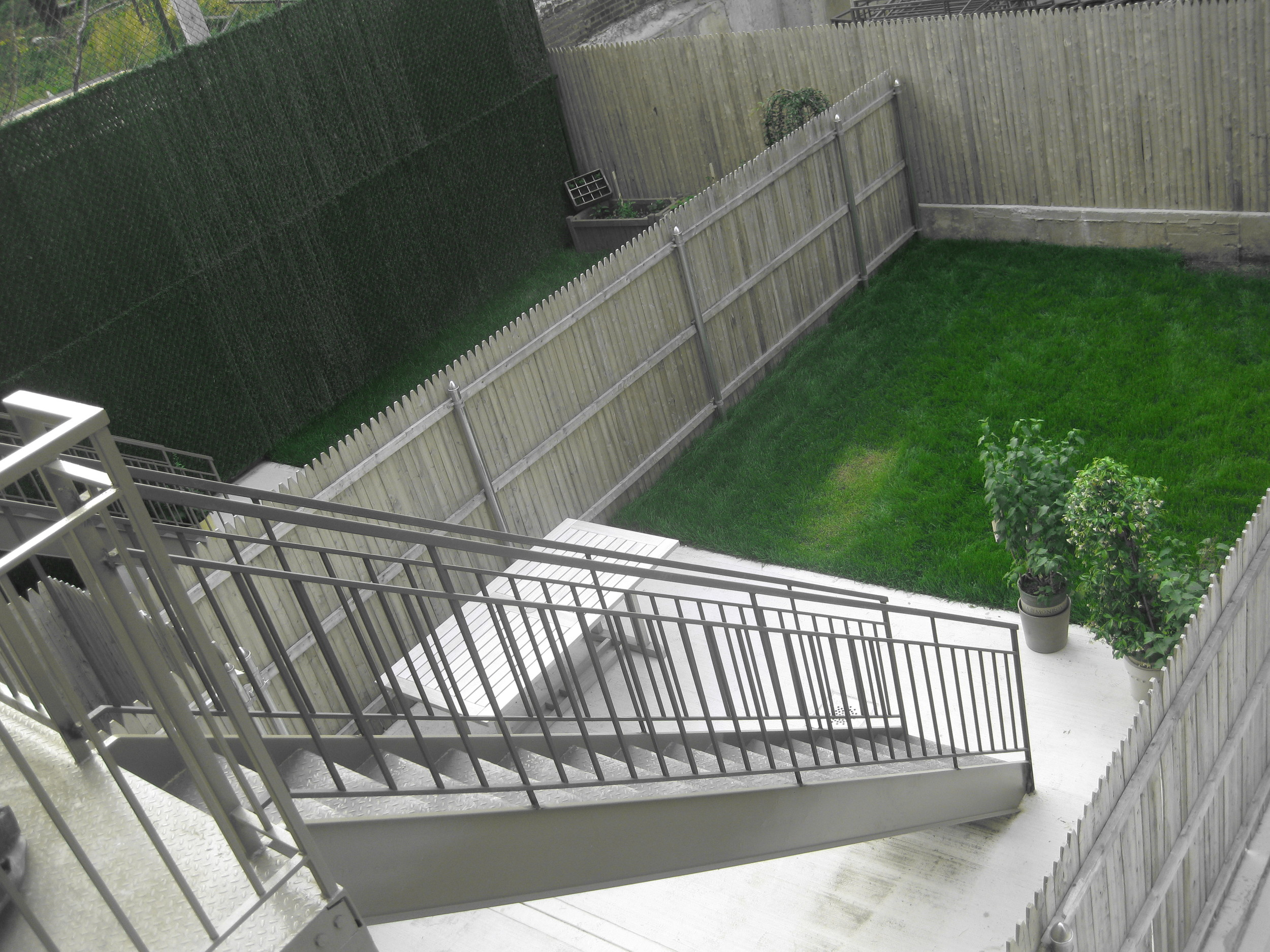 Lineage Backyard 002.jpg