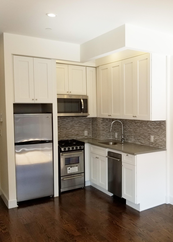 491 myrtle kitchen front.jpg
