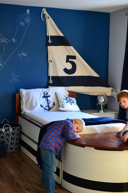 nautical room.jpg
