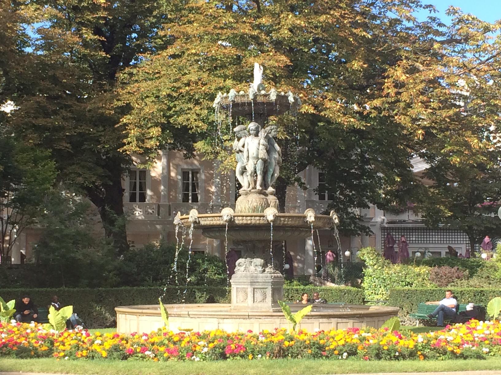 Fountain near Champs-Élysees