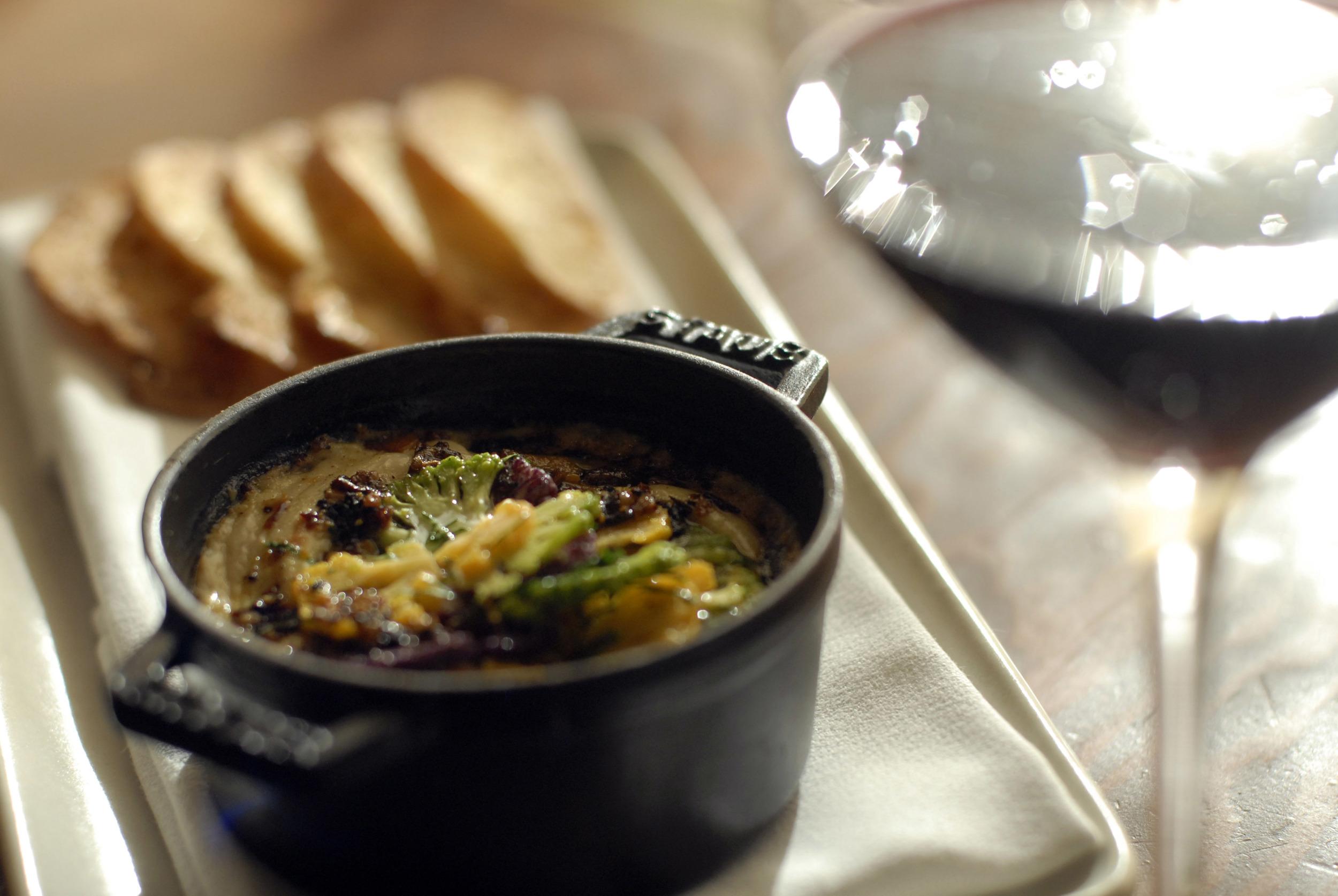 Cauliflowers in cast iron pot-Ubuntu Dinner-2.jpg