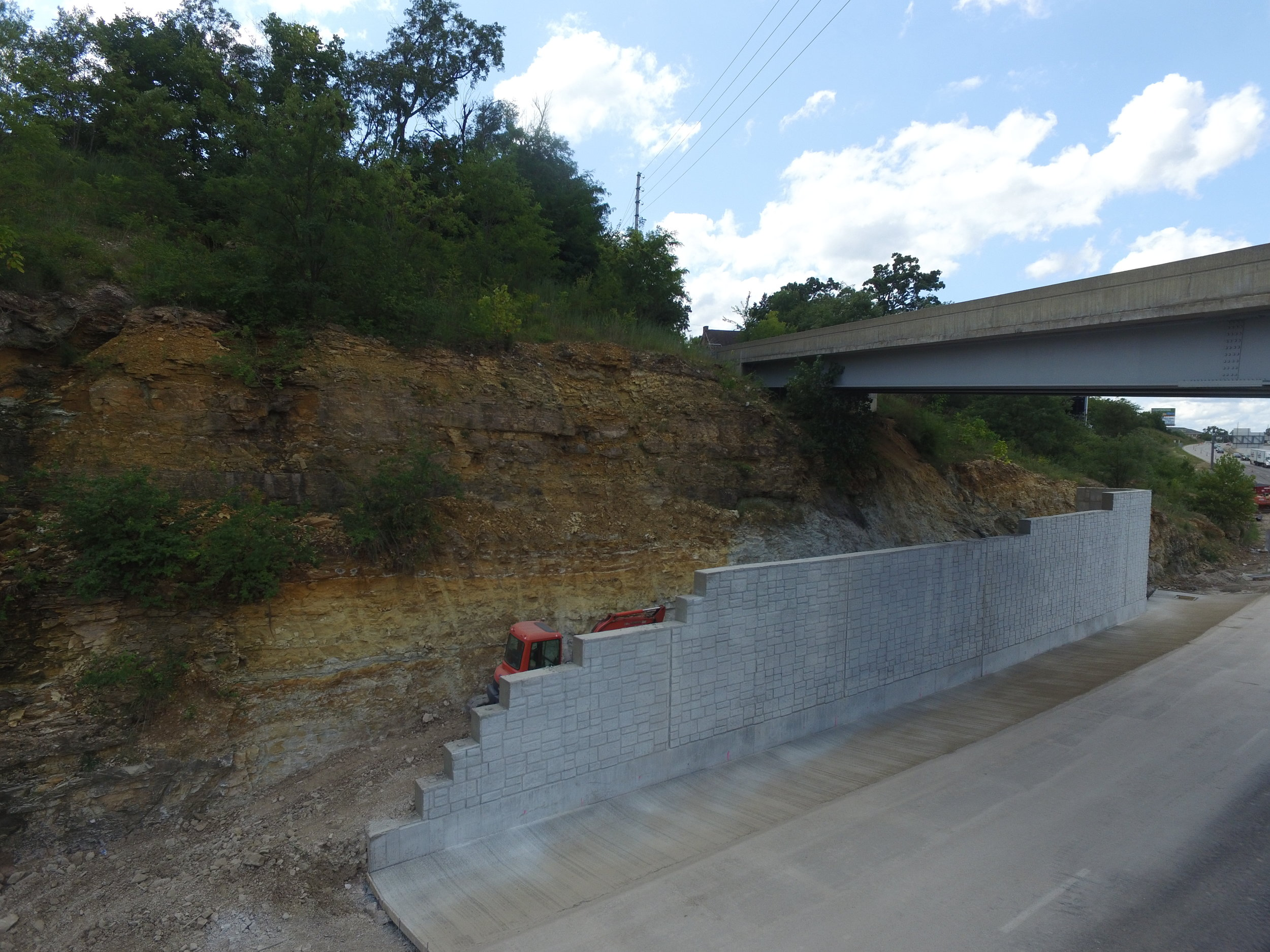 I-44 Rolla, MO Retaining Wall under Vichey Rd