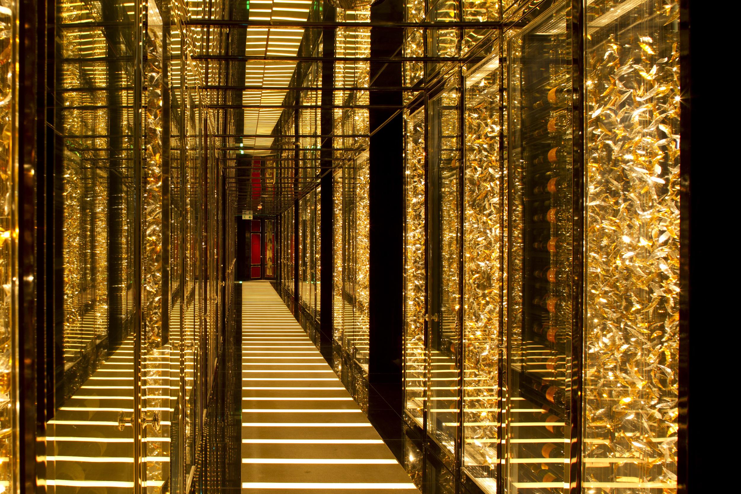 3000px_2011Mar27_FT_RitzCarltonHotelHK_0093.jpg