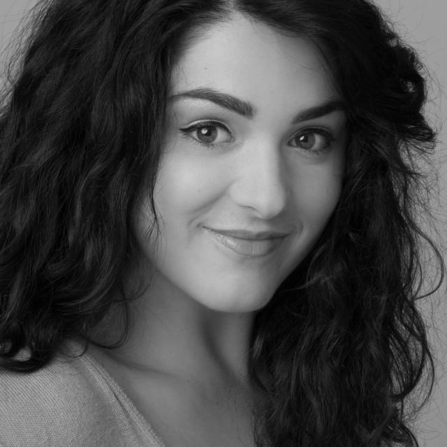 Gianna-Schiller-headshot-web.jpg