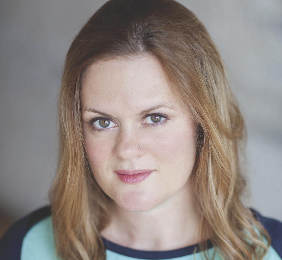 Amanda White (Paulette)