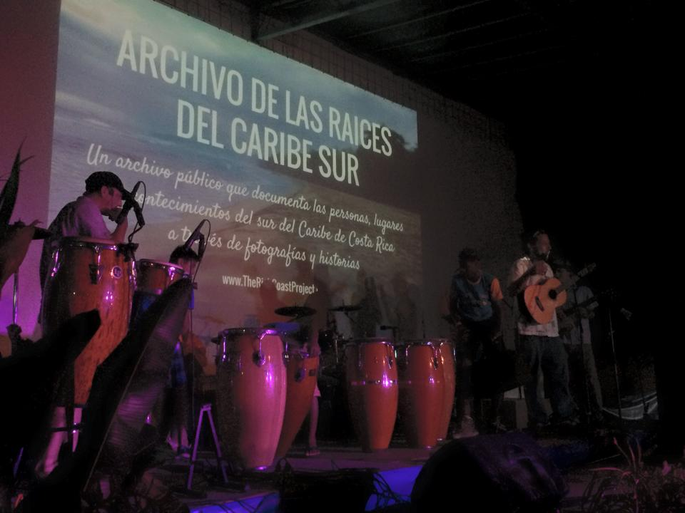 Presenting the South Caribe Roots Archive during a live exposition on August 30, 2015 at Wolaba Parade. Live music provided by Los Icebreakers at Hot Rocks in Puerto Viejo.