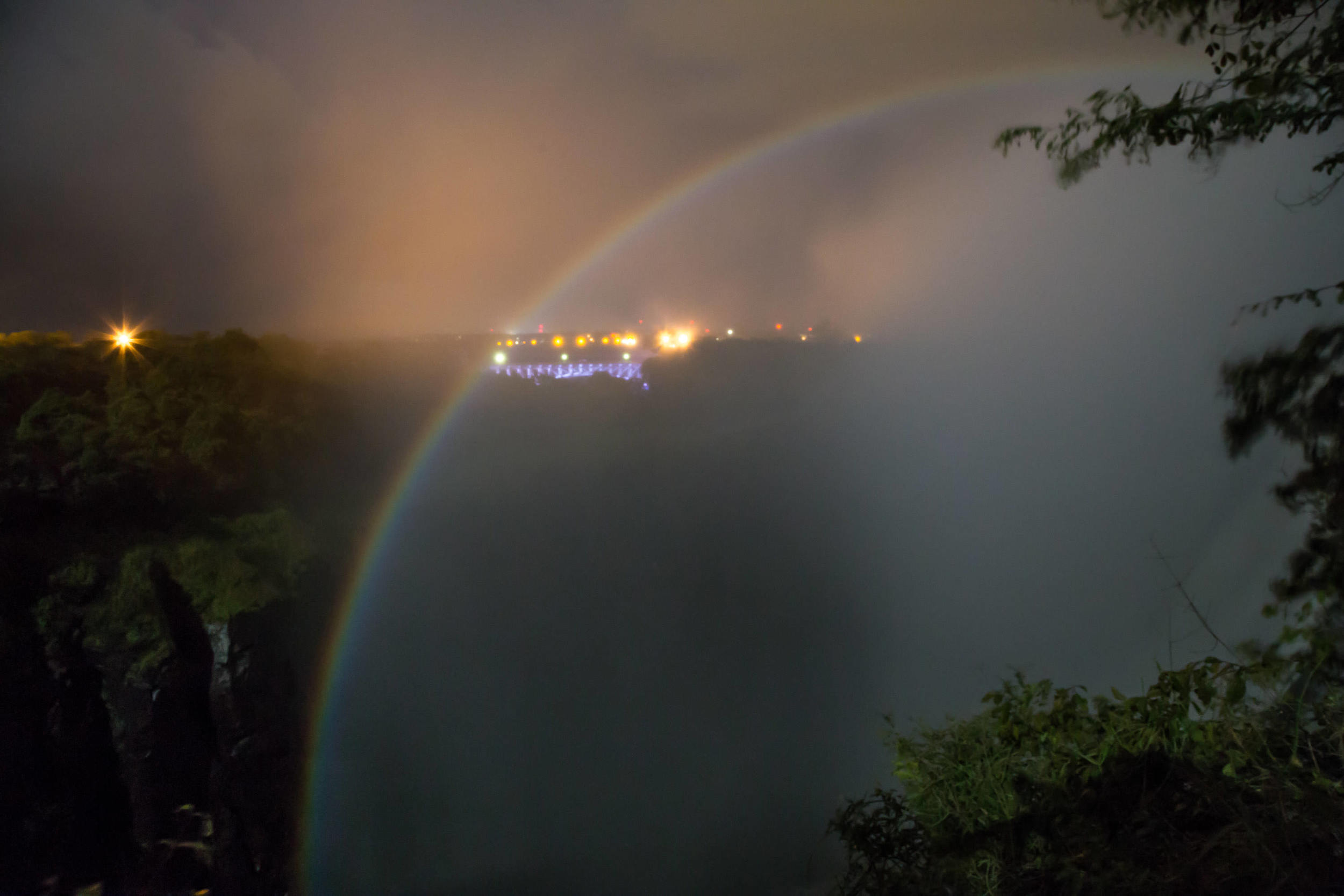 Once a month when the moon is full, you can see arainbow illuminate above the Falls.