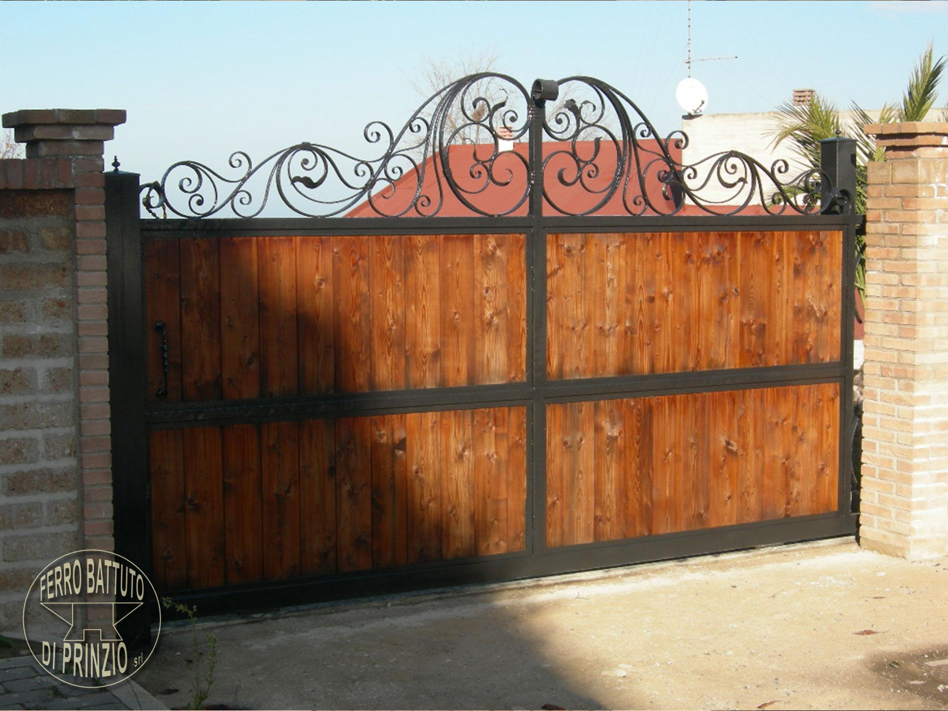 cancello_ferro_battuto_legno_lo_torto.jpg