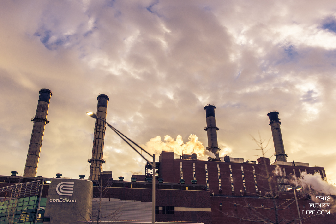 Con Edison power plant working nonstop for the city that never sleeps