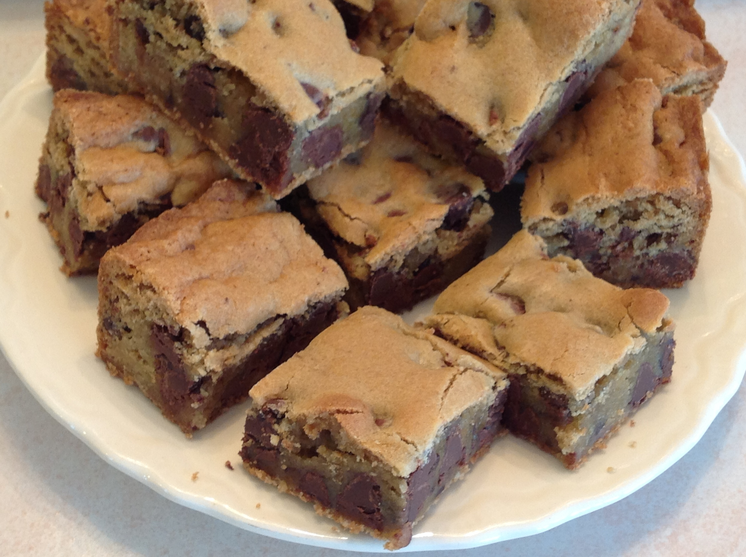 Chewy Chocolate Chip Cookie Bars