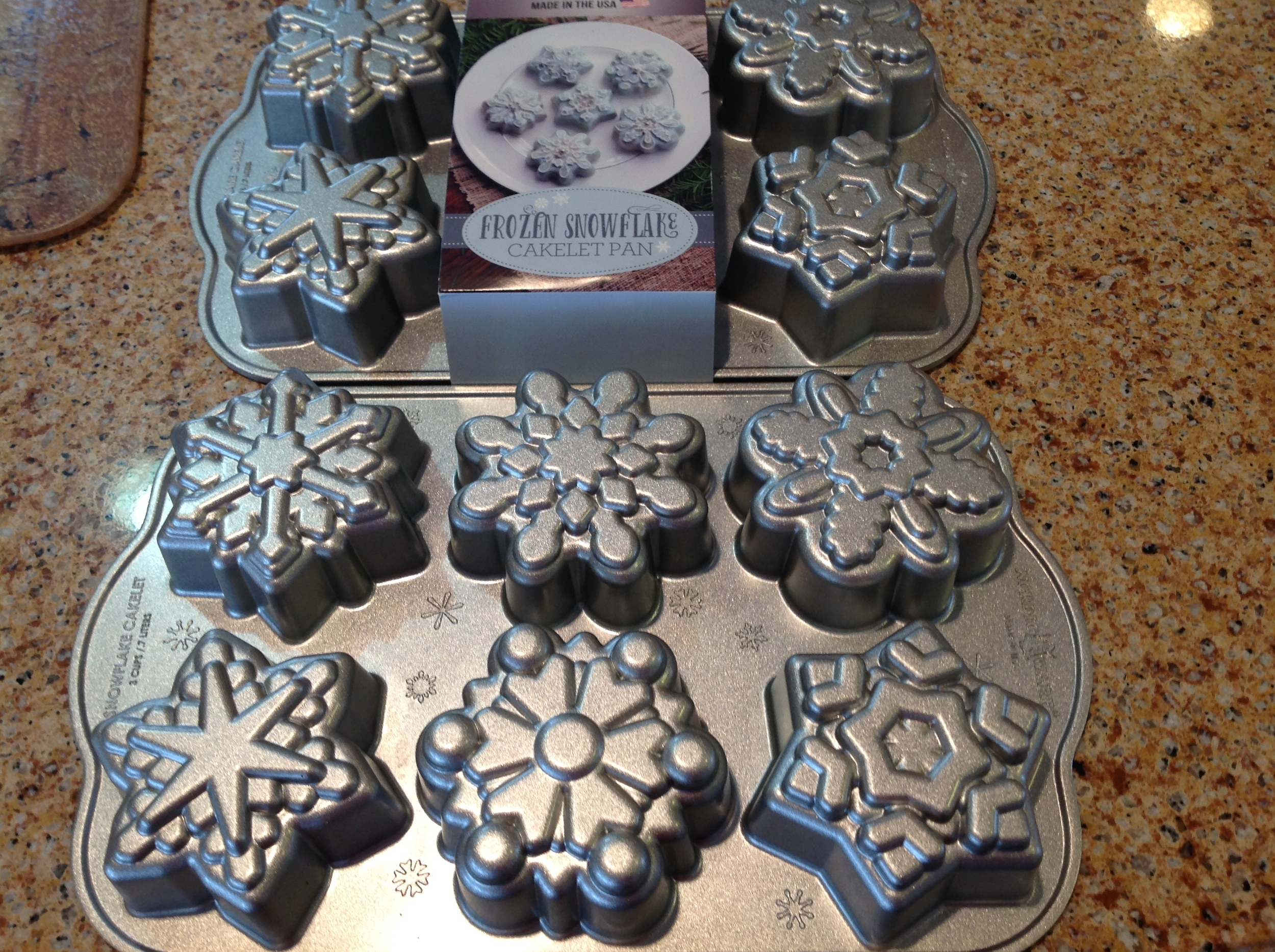 Frozen Snowflake Cakelet pans by NordicWare