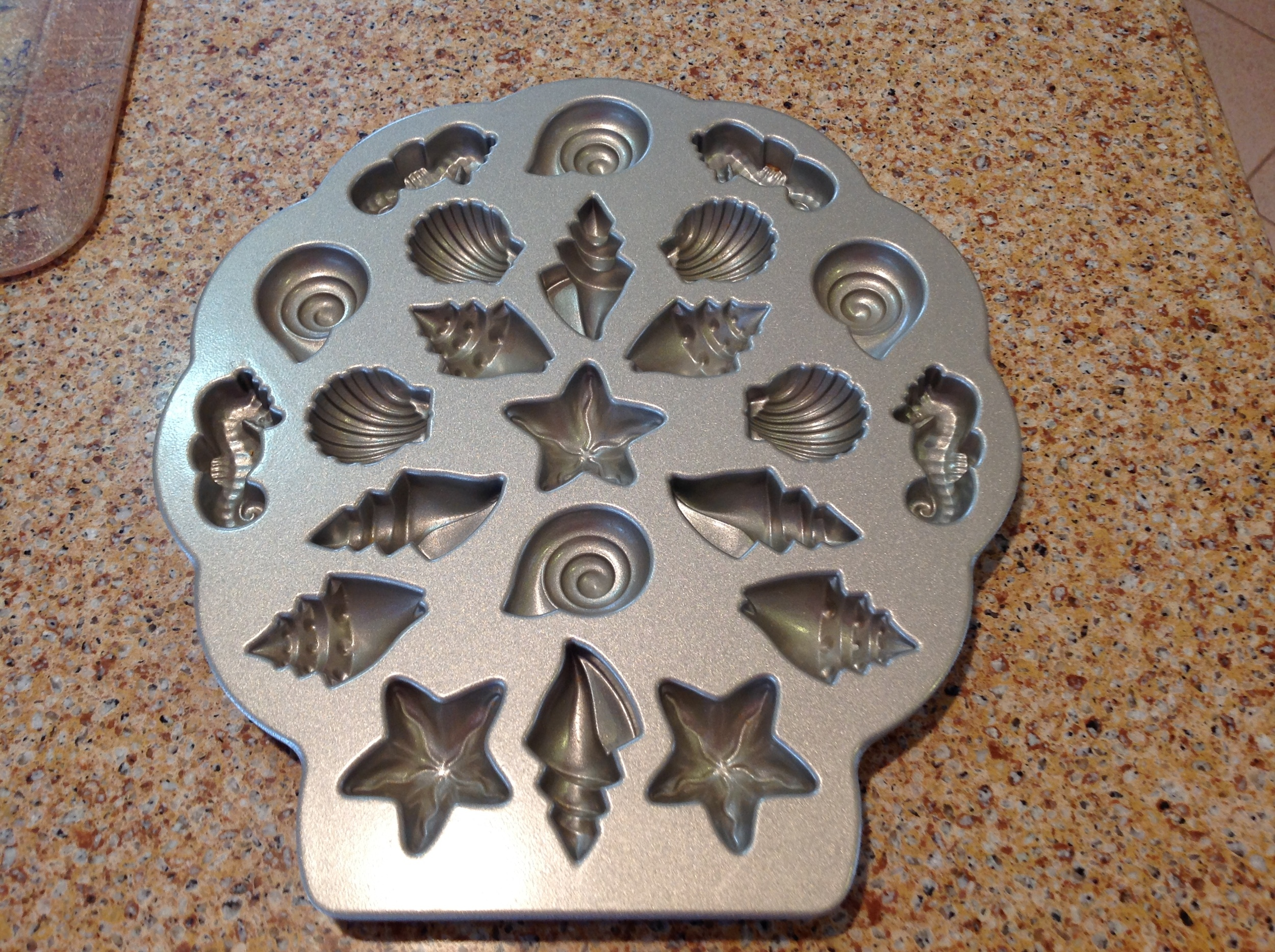 Seashells by NordicWare